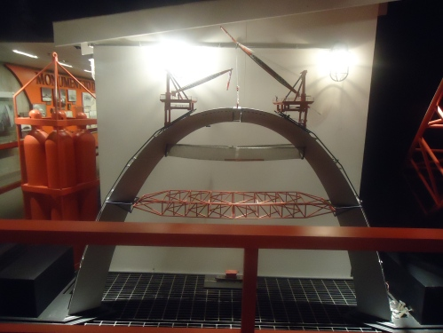 Model in the northern base of the arch